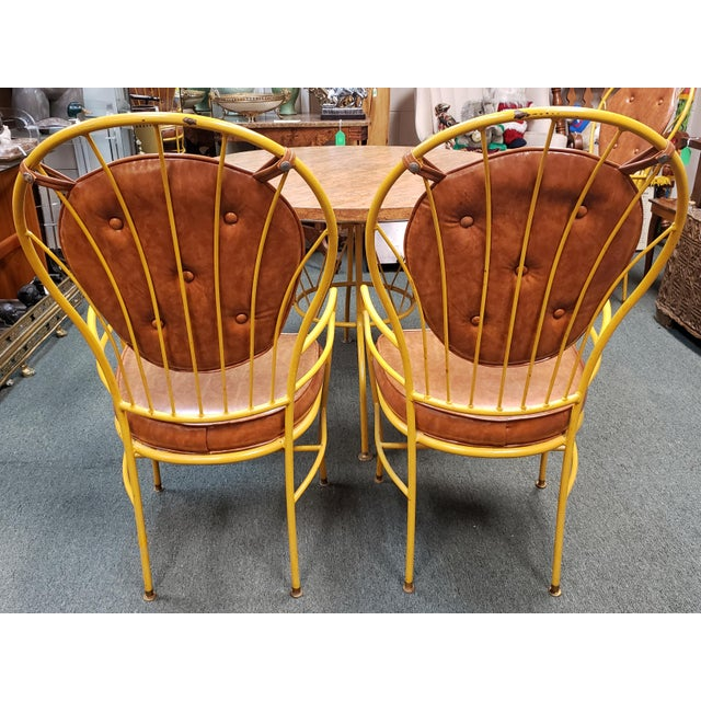 Mid Century Faux Burlwood Yellow Enamel Painted Metal Dinette Set - 5 Pieces For Sale In New Orleans - Image 6 of 11