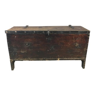 Rustic Farmhouse Wide Plank Chest For Sale
