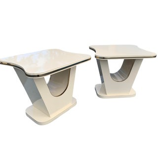1980s Vintage White Art Deco Nouveau Accent Side Tables, a Pair For Sale