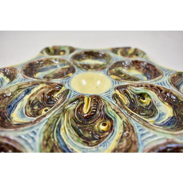French Barbotine Palissy Majolica Fish Head Star Shaped Oyster Plate, Circa 1880 For Sale In Philadelphia - Image 6 of 11
