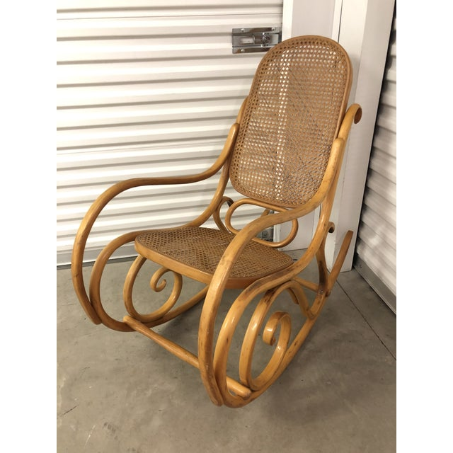 This bentwood rocker appears to be untouched from its original condition, close inspection shows that this rocker has NOT...