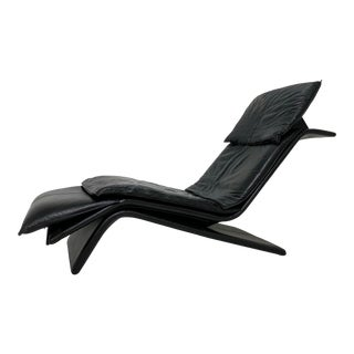 Circa 1980s Postmodern Maurice Villency Leather Chaise For Sale