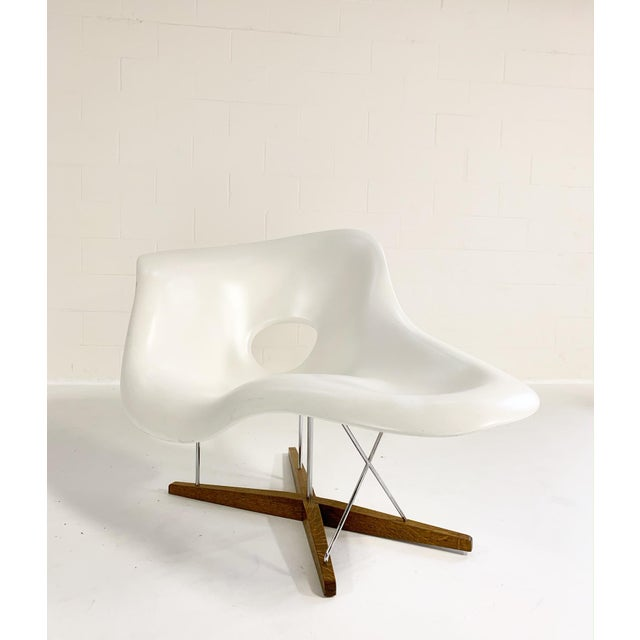 Vitra Charles and Ray Eames La Chaise For Sale - Image 4 of 8
