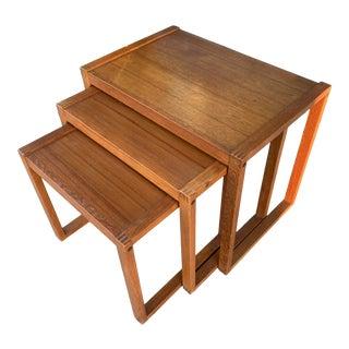 1960s Mid Century Modern Teak Wood Nesting Tables - Set of 3 For Sale