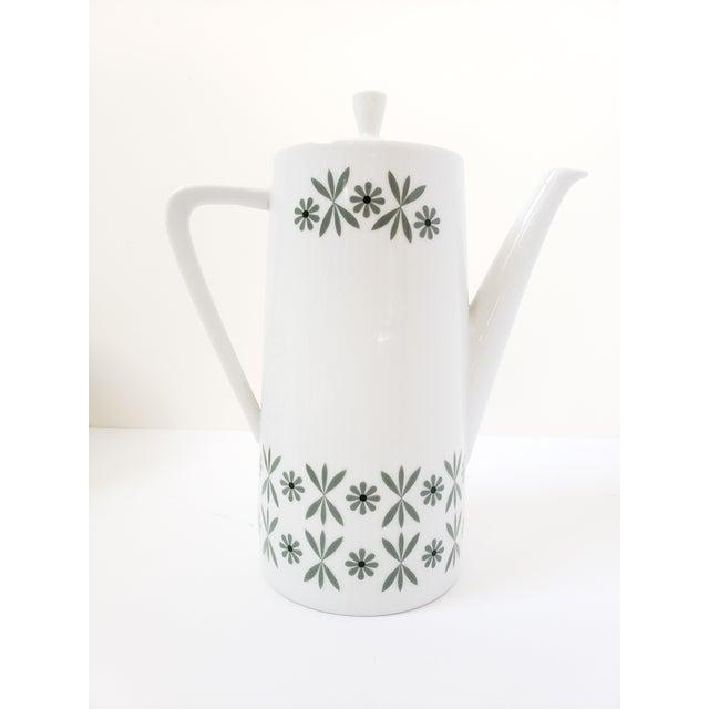 Ceramic Mid Century Modern Seltmann Weiden Monica Bavarian Porcelain Dinnerware For Sale - Image 7 of 13