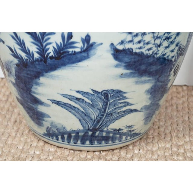 Blue A Large Chinese Export Vase For Sale - Image 8 of 10