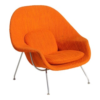 Eero Saarinen Womb Chair With Original Upholstery & Steel Frame For Sale