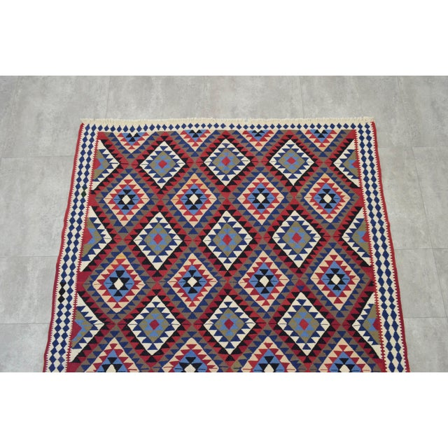 Turkish Kilim Hand-Woven Rug - 4′9″ × 8′2″ - Image 6 of 9