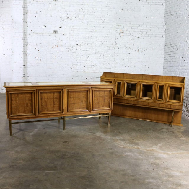 Gold Mid Century Modern Credenza With Hutch Attributed to J. L. Metz Contempora Line For Sale - Image 8 of 13