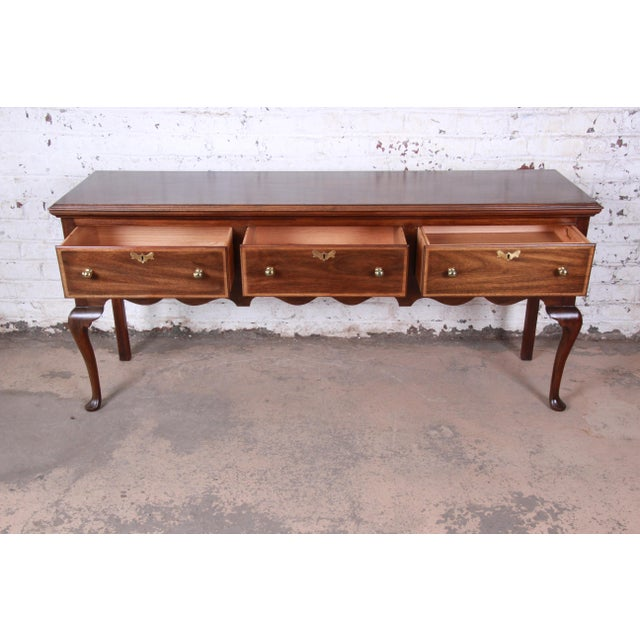 Henkel Harris Mahogany Queen Anne Sideboard Credenza For Sale - Image 9 of 13