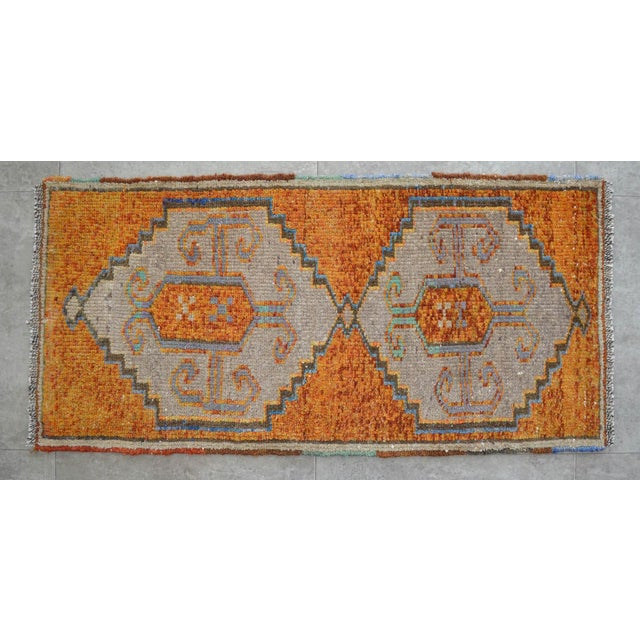 1970s Distressed Low Pile Oushak Yastik Rug Faded Colors Vintage Petite Rug - 21'' X 42'' For Sale - Image 5 of 5