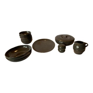 Mid-Century Russel Wright Iroquois Charcoal Gray Dish Assortment - 14 Piece Set For Sale