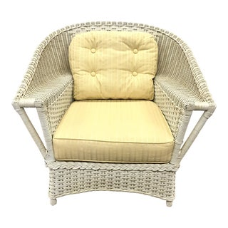 Vintage White Wicker Rattan Chair For Sale