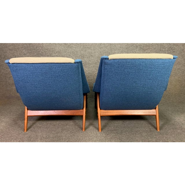 "Pair of Vintage Scandinavian Modern Teak ""Profil"" Lounge Chairs by Folke Ohlsson for Dux of Sweden. For Sale - Image 10 of 11"