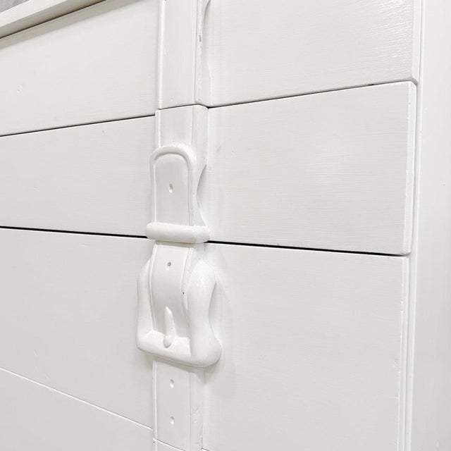 Modern White Painted Chests of Drawers - a Pair For Sale - Image 4 of 7