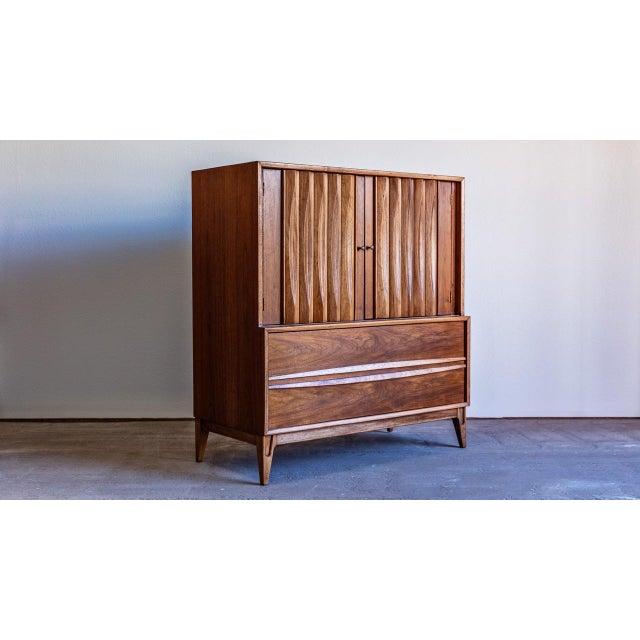 Brown 1960s Century Modern Thomasville Highboy Dresser For Sale - Image 8 of 8