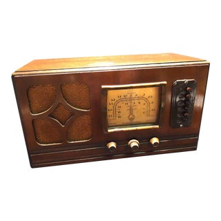 Stromberg Carlson Circa 1930s Wood Radio. Very Rare. Beautiful & All Original. For Sale