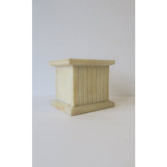Italian Alabaster Marble Column Pedestal For Sale In New York - Image 6 of 13