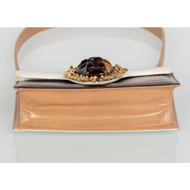 1970s Valentino Tiger's Eye Lion Head Gold Brown Ivory Shoulder Bag For Sale In Miami - Image 6 of 10