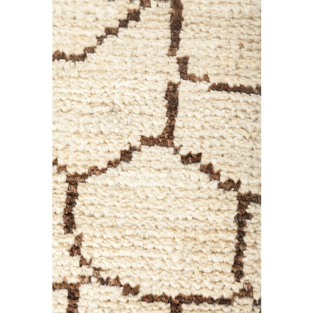 "Contemporary New Moroccan Hand Knotted Area Rug - 4' 7'1"" For Sale - Image 3 of 3"