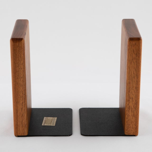 Art Deco 1960s Ceramic and Walnut Bookends by Gordon and Jane Martz for Marshall Studios - a Pair For Sale - Image 3 of 12