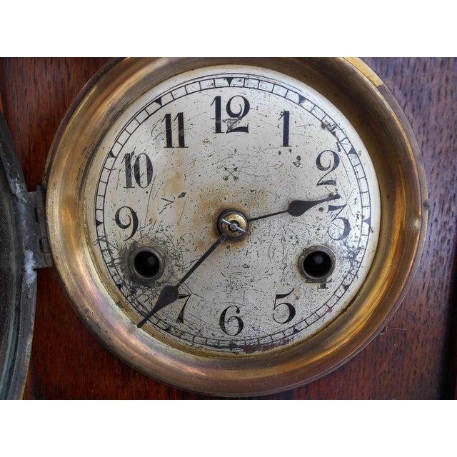 1950s Vintage Mantle Clock For Sale - Image 5 of 10