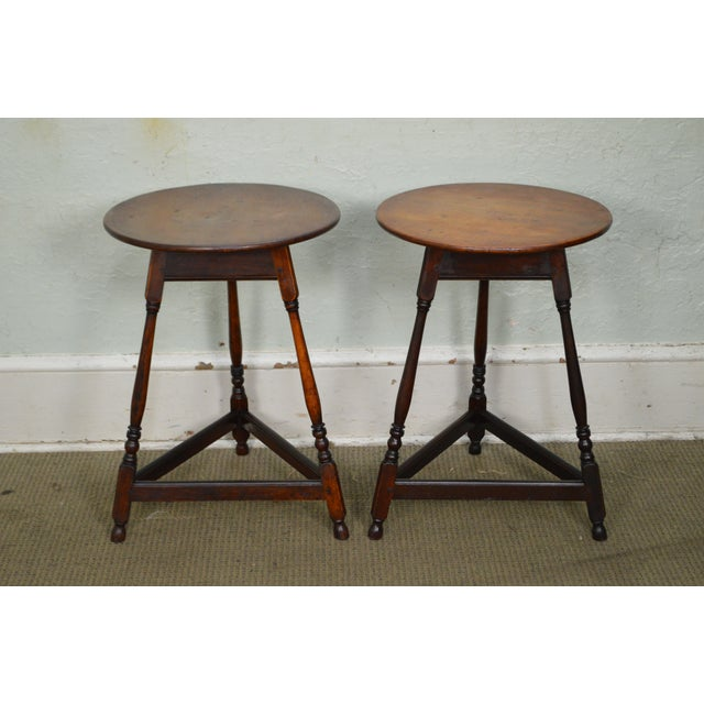 Kensington Furniture Antique Pair of Round English Tavern Tables - Image 7 of 11