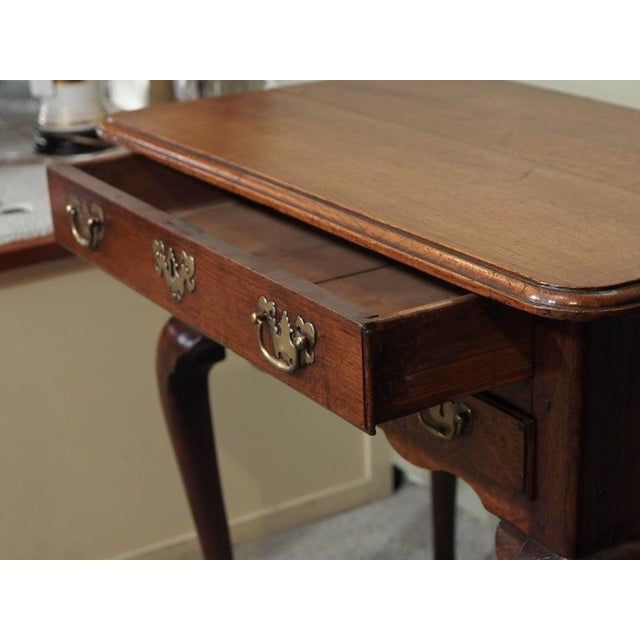 18th Century English George III Three-Drawer Oak Lowboy For Sale - Image 4 of 8