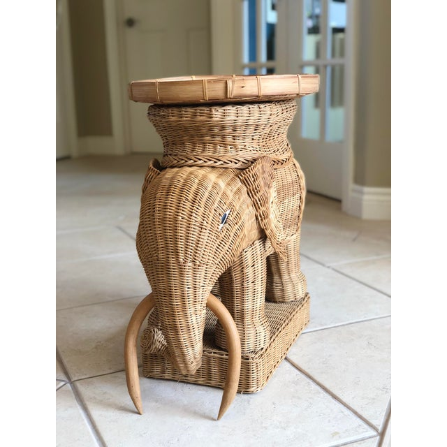 1970s Vintage Boho Chic Wicker Rattan Elephant Side Tray Table For Sale - Image 4 of 6
