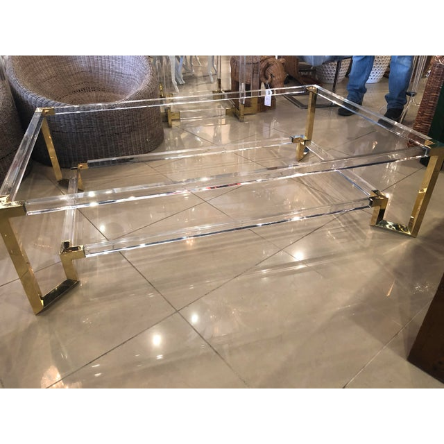 1970s Vintage Hollywood Regency Geometric Brass and Lucite Two Tier Glass Cocktail Table For Sale - Image 5 of 12