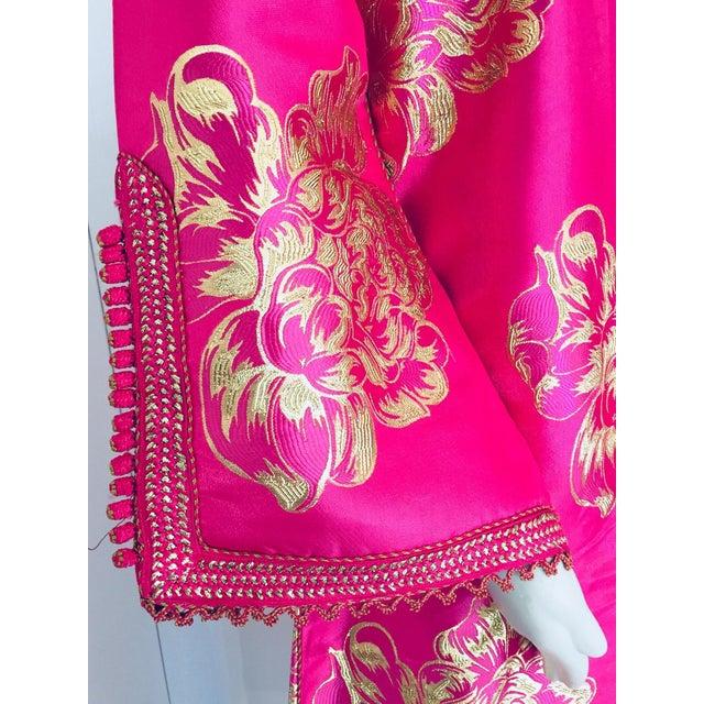 Vintage Designer Moroccan Caftan, Metallic Brocade Kaftan With Pink and Gold For Sale - Image 10 of 13