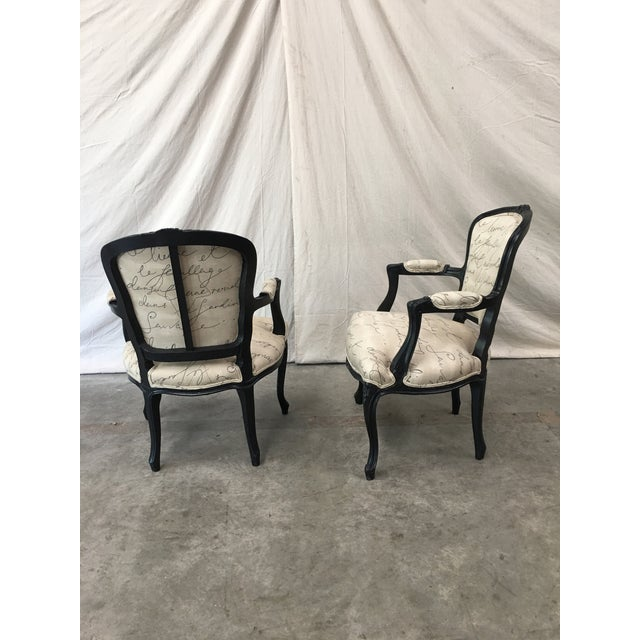 1910s French Antique Louis XV Style White Linen Arm Chairs - a Pair For Sale In Austin - Image 6 of 12