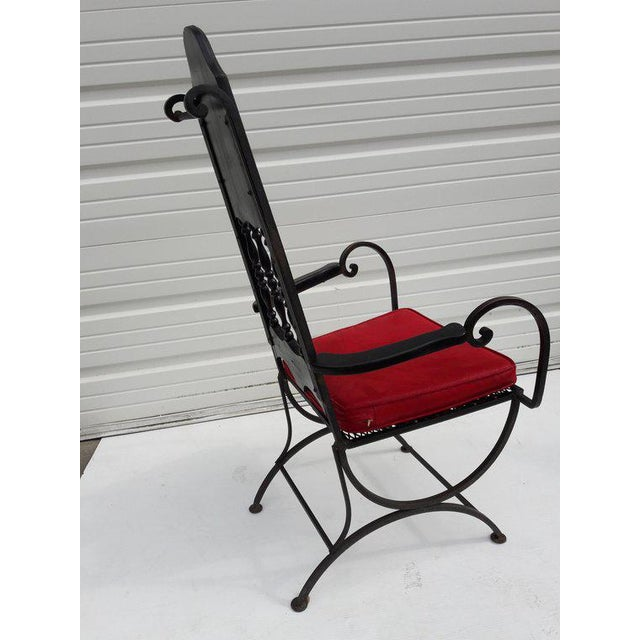 1950s Mid-Century Modern Hollywood Regency Wrought Iron & Mesh Armchair For Sale - Image 5 of 7