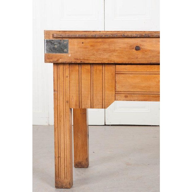 Art Deco French Early 20th Century Art Deco Pine Butcher Block For Sale - Image 3 of 12