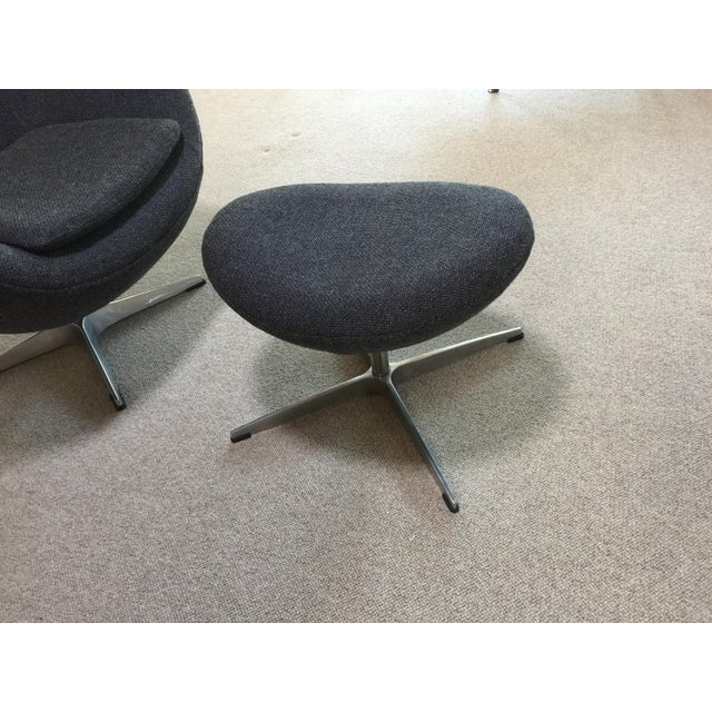 Arne Jacobsen Mid Century Modern Egg Chair - Designed by Arne Jacobsen in 1958 For Sale - Image 4 of 13