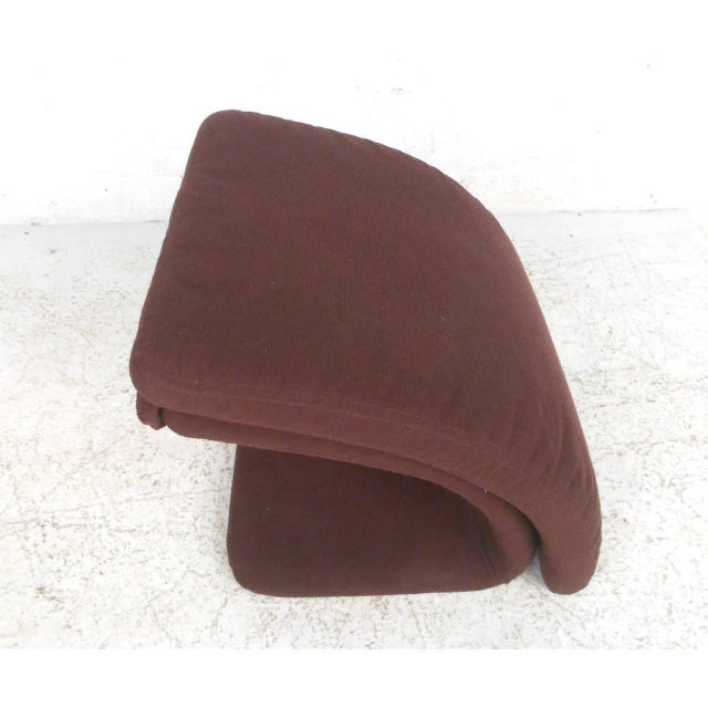 Contemporary Modern Sculptural Lounge Chair with Ottoman For Sale - Image 10 of 11
