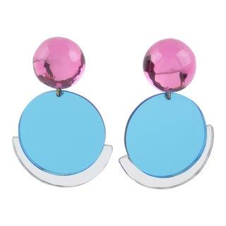 Harriet Bauknight for Kaso Geometric Lucite Clip Earrings Pink Blue Mirror For Sale