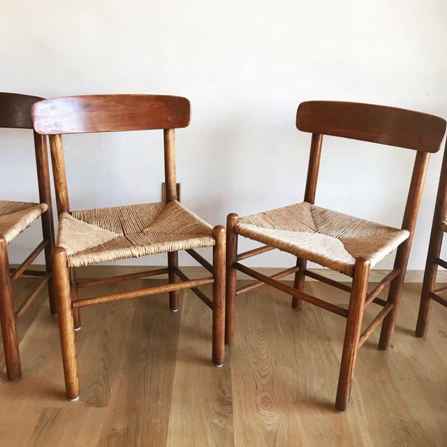 Mid Century Modern Early Edition Danish Børge Mogensen for Fredericia J39 Rush Rattan Chairs - Set of 4 For Sale - Image 10 of 12