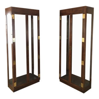 1980s Campaign Henredon Illuminated Display Cabinets - a Pair For Sale