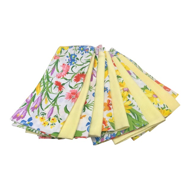 Mid 20th Century Vintage Spring Time Floral and Yellow Dinner Napkins - Set of 10 For Sale