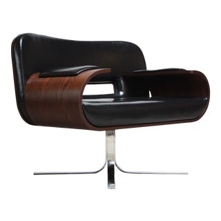 Brazilian Modern Jacaranda and Leather Swiveling Lounge Chair by Jorge Zalszupin