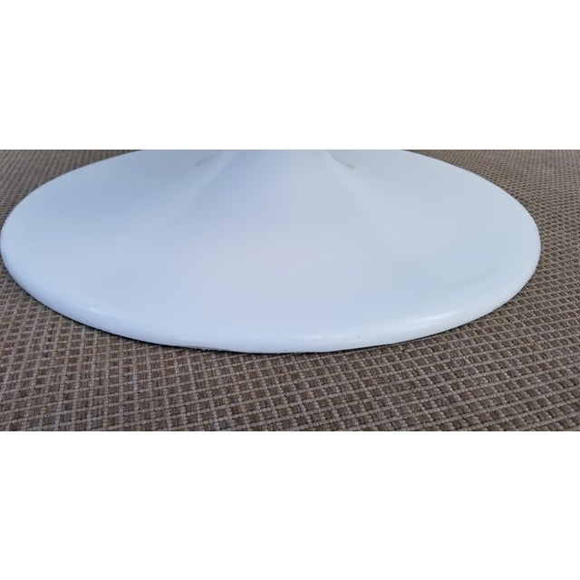 """White 1970s Vintage Eero Aarnio Style Fiberglass """"Ball"""" Chair For Sale - Image 8 of 11"""