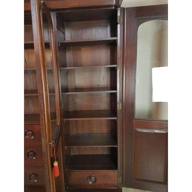 20th Century English Mahogany Wood Bookcase For Sale - Image 10 of 11