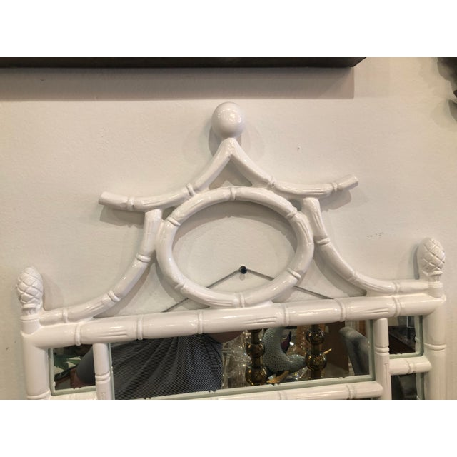 Vintage Hollywood Regency White Lacquered Faux Bamboo Pagoda Wall Mirror For Sale In West Palm - Image 6 of 9