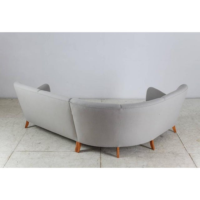 Corner Sofa with Light Grey Wool Upholstery, Denmark, 1940s For Sale - Image 4 of 9