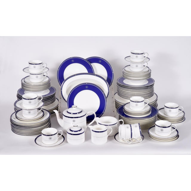 Wedgwood porcelain Complete service for ten people with Serving pieces / Extra. Each piece is in excellent condition. The...