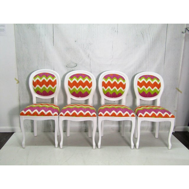 Italian Beechwood Cameo Back in White Lacquer & Colorful Upholstery, Set of 4 For Sale In West Palm - Image 6 of 6