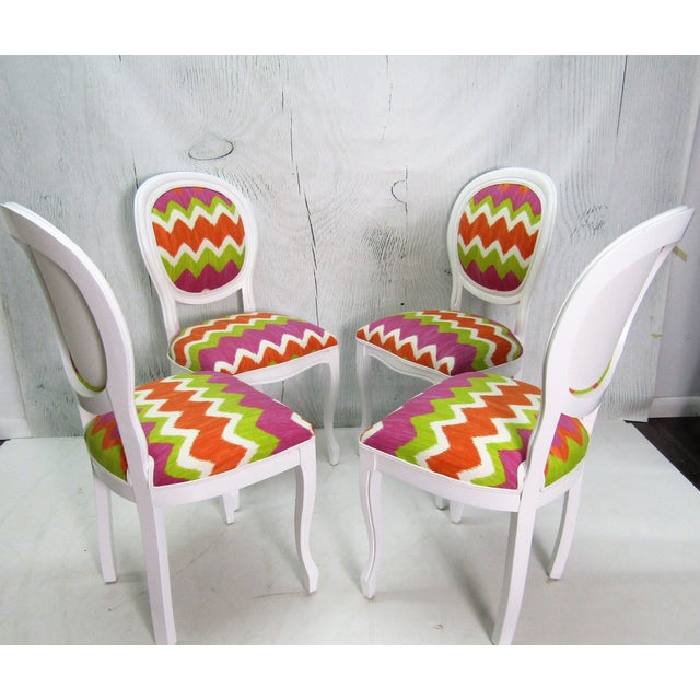 Modern Italian Beechwood Cameo Back in White Lacquer & Colorful Upholstery, Set of 4 For Sale - Image 3 of 6