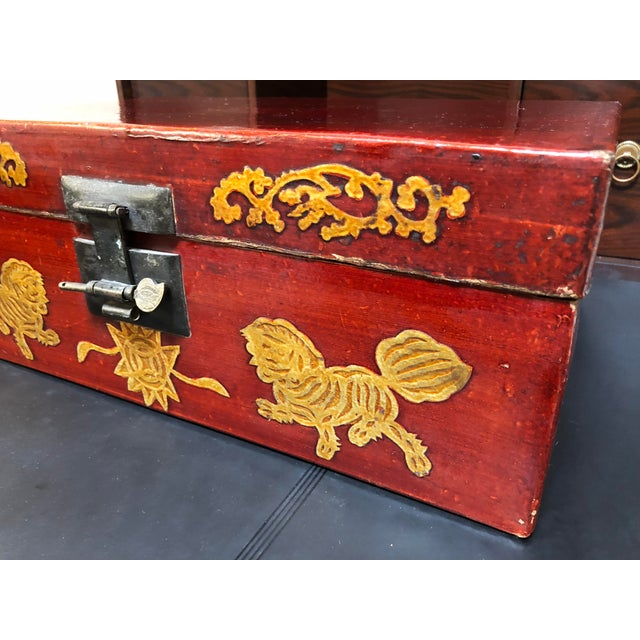 Asian Late 19th Century Antique Chinese Lacquered Coffee Box For Sale - Image 3 of 10