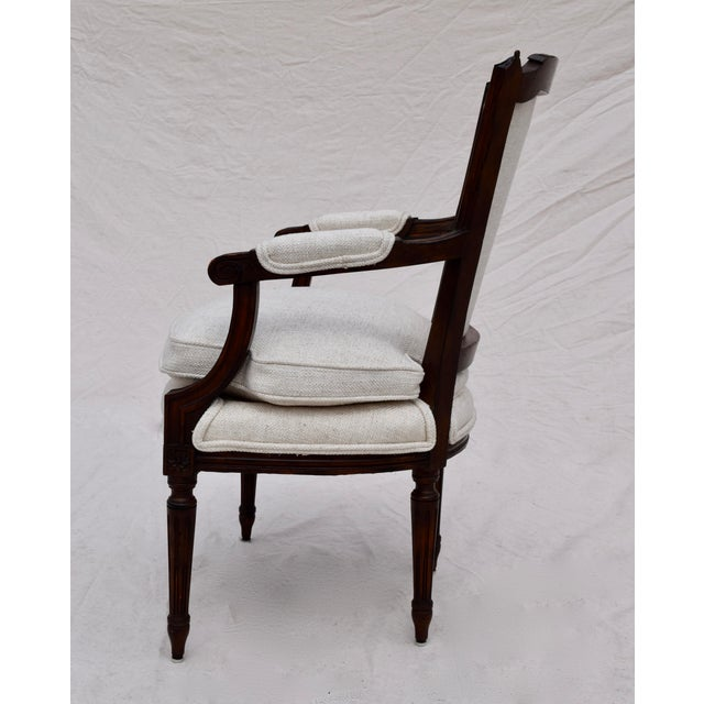 Louis XVI French Walnut Fauteuil Accent Chair For Sale In Philadelphia - Image 6 of 13